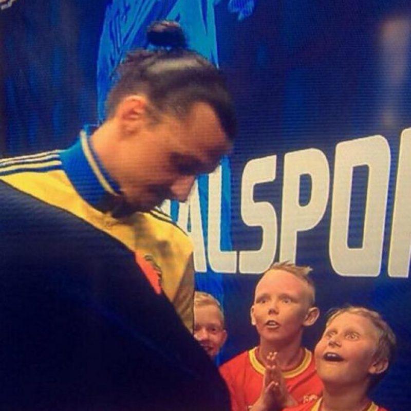 El gesto de dos niños al ver a Zlatan Ibrahimović. Foto:Twitter