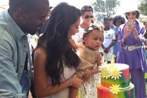 8.- Su primer fiesta de cumpleaños fue temática, con el estilo del Festival de Música y Artes Coachella. Foto:vía instagram.com/kimkardashian