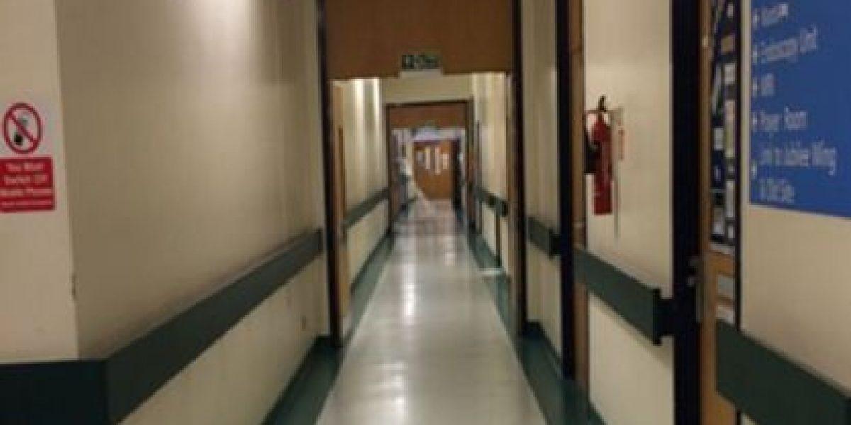 FOTOS: Escalofriante imagen aparece en pasillo de hospital