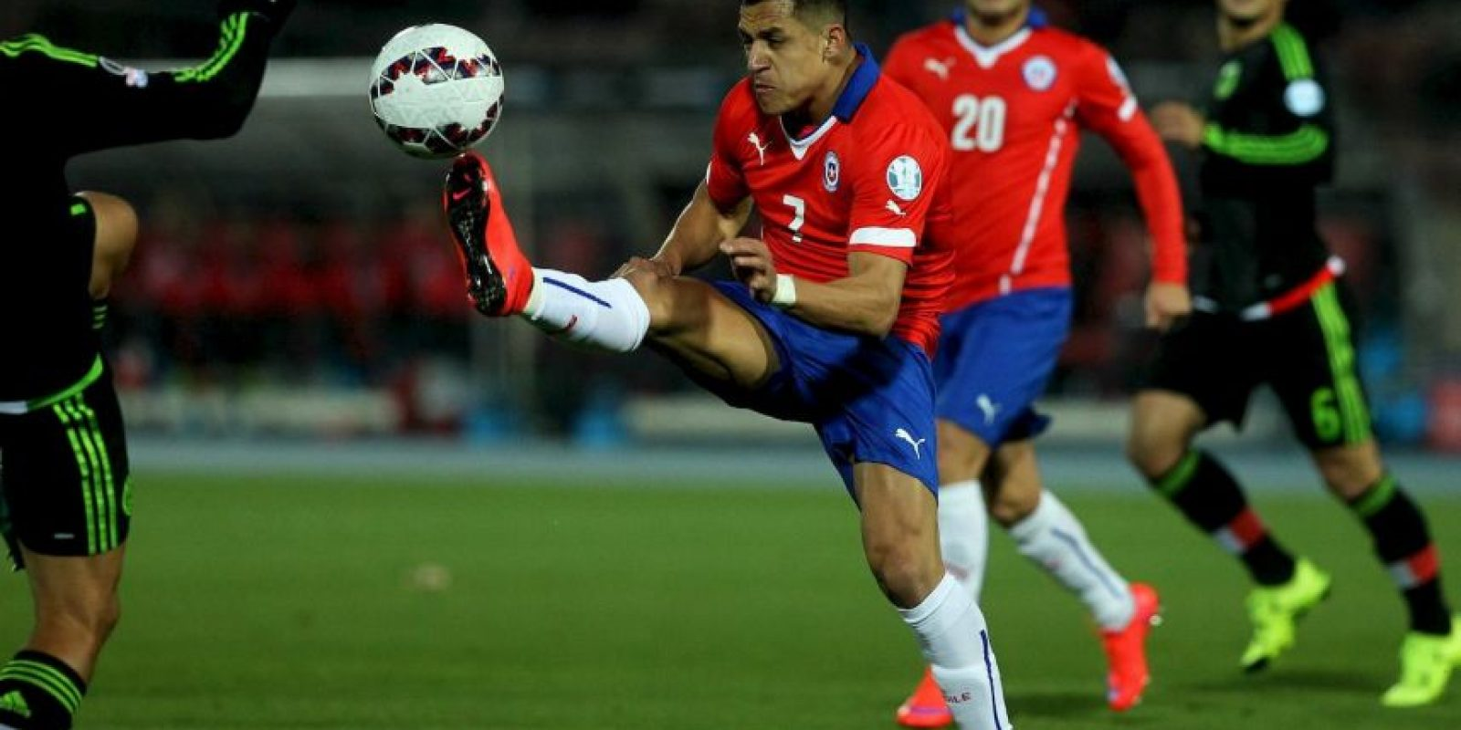 Los dos jugadores más mencionados del encuentro fueron… Foto:Vía facebook.com/SeleccionChilena