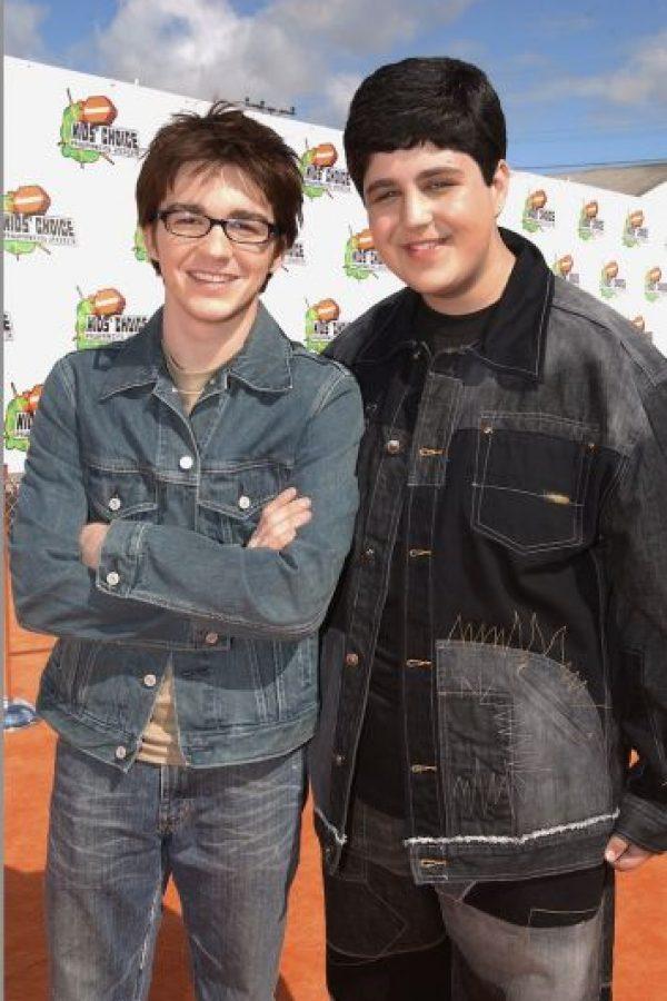 Esta comedia presentaba las vivencias de dos adolescentes con personalidades contrarias que se vuelven hermanastros. Foto:Getty Images