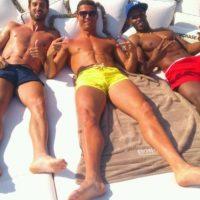 """Pero, ¿Quiénes son estos hombres que siempre acompañan a Cristiano Ronaldo? Se trata de sus tres amigos """"inseparables"""". Foto:Vía twitter.com/jvsemedo"""