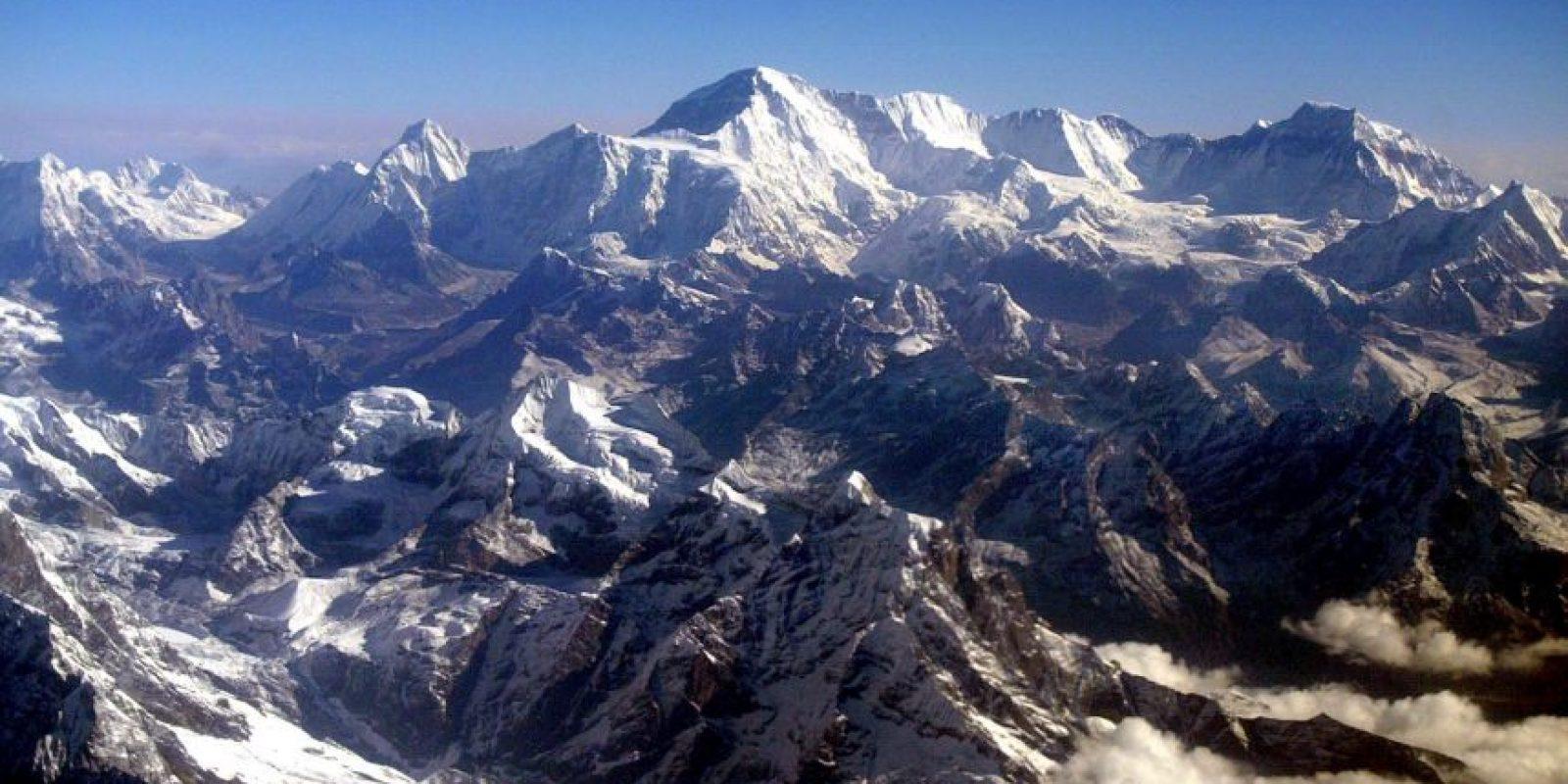 El monte Everest se desplazó tres centímetros al suroeste a casusa del terremoto de Nepal. Foto:Getty Images