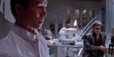 En la cinta de 1993, su personaje logró escapar de la isla. Foto:vía YouTube