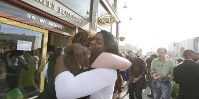 5. Sus padres adoptaron a cuatro niños afroamericanos. La madre declaró que Rachel comenzó a decir que era afroamericana desde ese momento. Foto:AP
