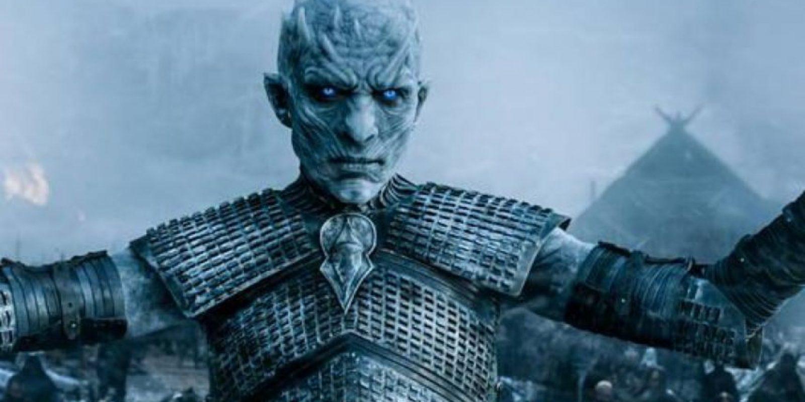 """16. Cuando """"Jon"""" huye y los """"Otros"""" han ganado"""", su comandante hace revivir a los muertos en batalla. Foto:vía HBO"""