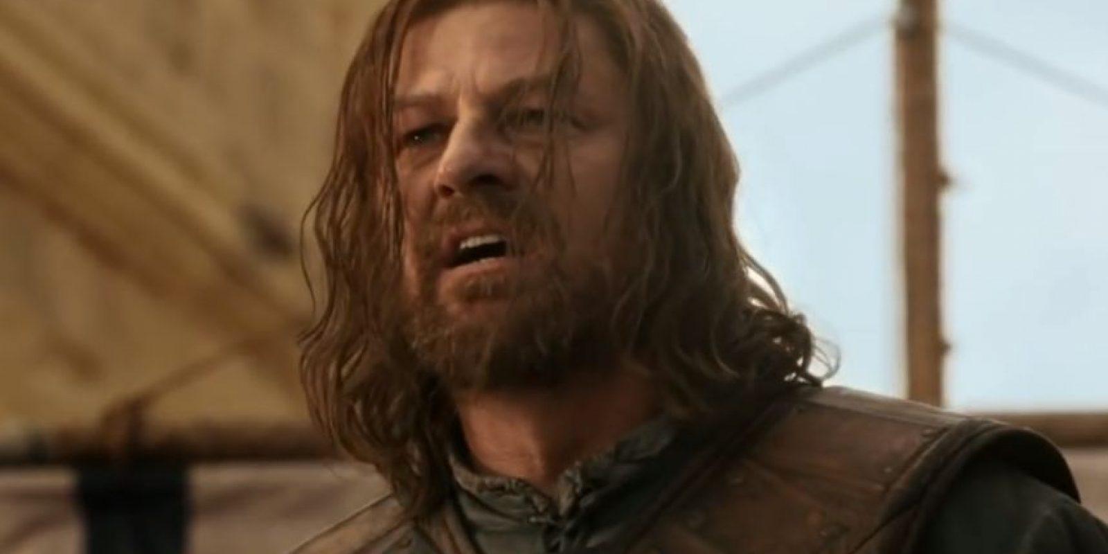 """3. """"Eddard Stark"""", señor de Invernalia, es ejecutado por """"Joffrey Baratheon"""", el nuevo rey. Foto:vía HBO"""