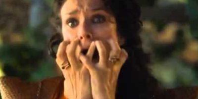 """Lucha contra """"Gregor Clegane"""", """"La Montaña"""", quien violó y mató a su hermana, """"Elia Martell"""". Pero """"Oberyn"""" se confía y """"Gregor"""" le aprieta la cara hundiéndole los ojos hasta sacarle el cerebro. Así reaccionó la amante de """"Oberyn"""", """"Ellaria Arena"""". Foto:vía HBO"""