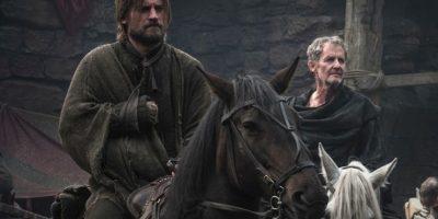 """5. A """"Jaime Lannister"""", capturado por los norteños, le cortan la mano con la que usaba su espada y destruyen su orgullo. Foto:vía HBO"""