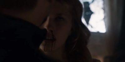 """20. Su hija, """"Myrcella"""", es envenenada por """"Ellaria Arena"""" al esta darle un beso de despedida. Foto:vía HBO"""