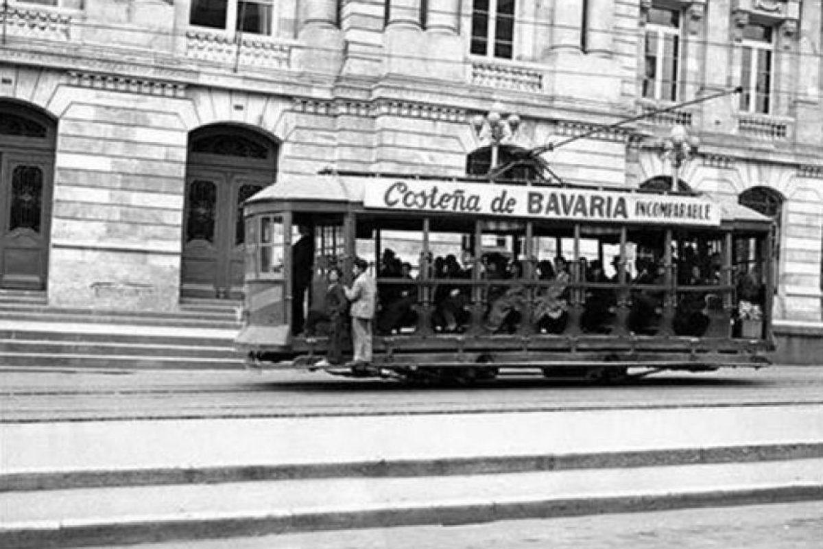 El Tranvía eléctrico fue el amo y señor de las avenidas de la capital durante la primera mitad del siglo XX. Foto:Facebook / Fotos Antiguas de Bogotá