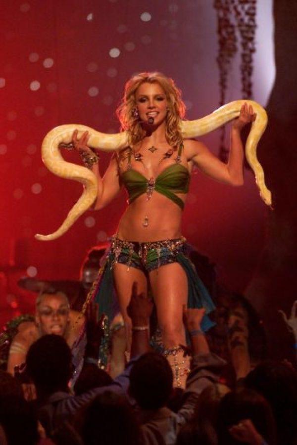 Britney Spears en los MTV VMA de 2001 Foto:Getty Images