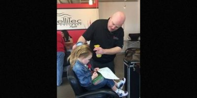 2. El papá que tomó clases de cosmetología para peinar a su hija Foto:Facebook.com/Greg Wickherst