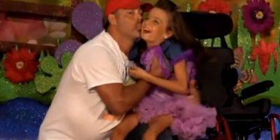 3. Video: Conmovedor papá baila vals con su hija en silla de ruedas Foto:YouTube – Kenzie Carey