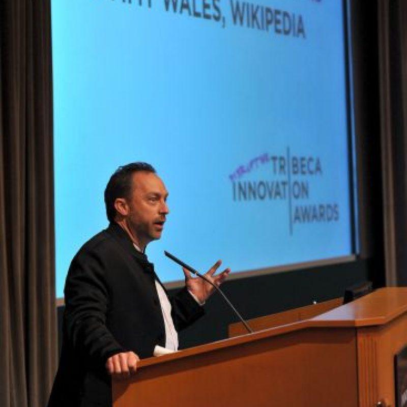 8. Además, tiene otros proyectos complementarios como: Wikcionario o Wikilibros Foto:Getty Images