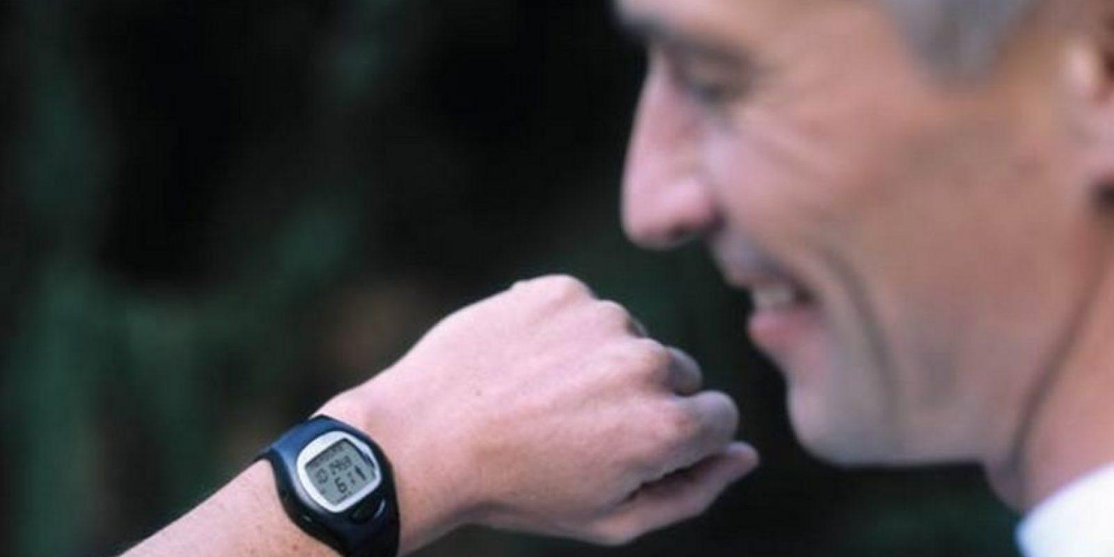 Sensores para el corazón. Muchos hombres maduros necesitan poner cuidado a su corazón. Otros son fanáticos del ejercicio y les interesa medir su rendimiento cardiovascular. Un smartwatch es el gadget perfecto para estas situaciones. Foto:Wikicommons