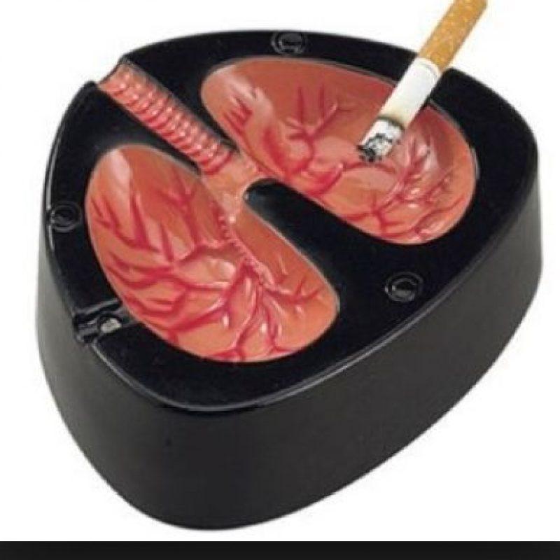 Un cenicero con forma de pulmones Foto:Tumblr