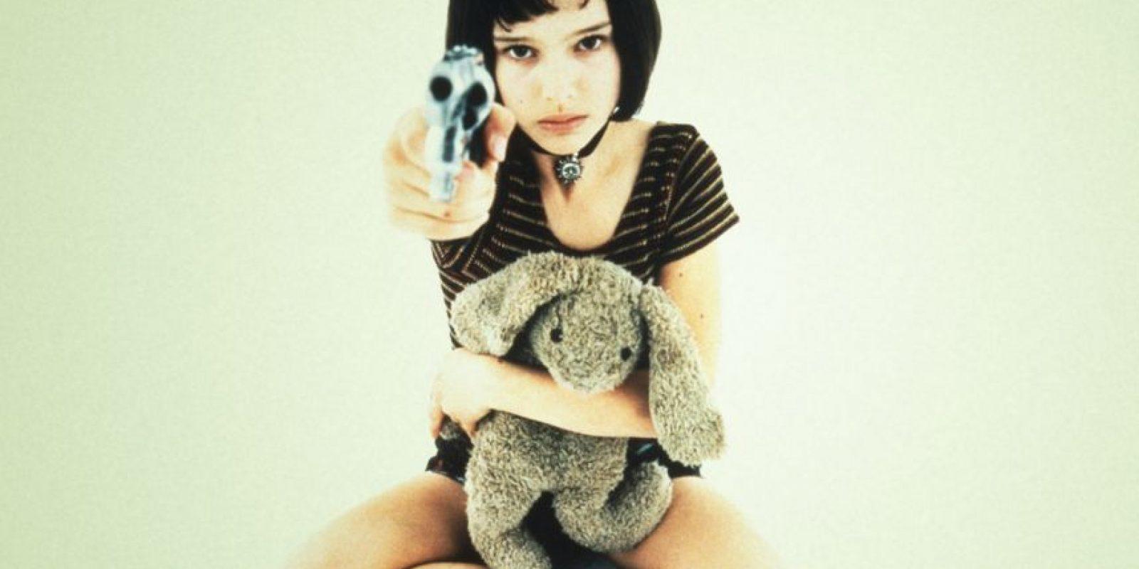 """Natalie Portman era """"Mathilda"""", joven que viene de una familia disfuncional que es asesinada por los hombres de """"Stansfield"""", policía corrupto. Foto:vía Gaumont"""