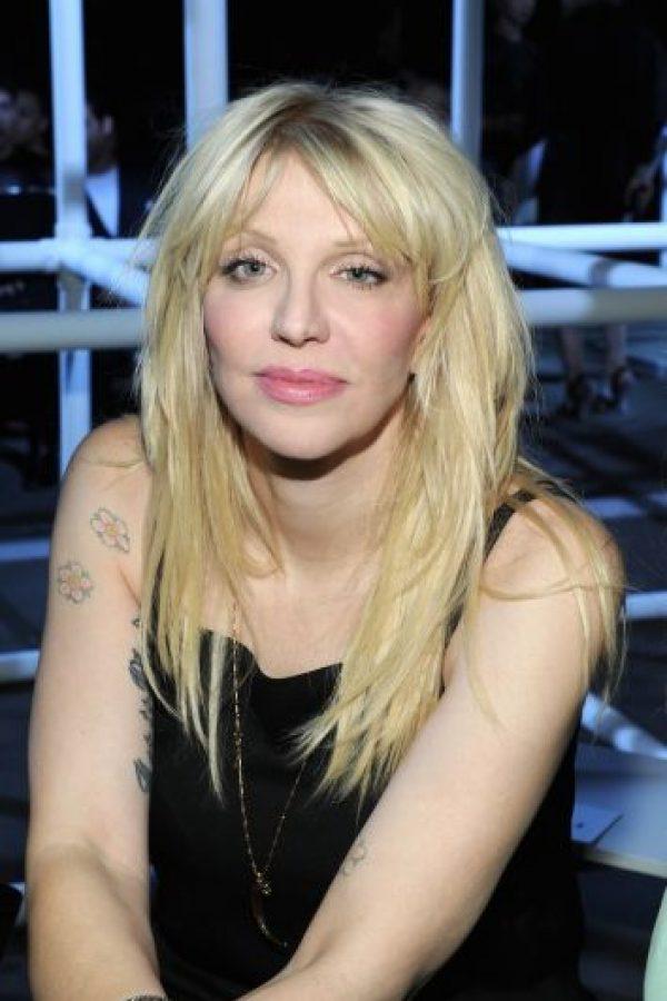 Tras la muerte del vocalista de Nirvana, surgió una teoría entre los fans, quienes señalaban que Courtney había sido la responsable. Foto:Getty Images