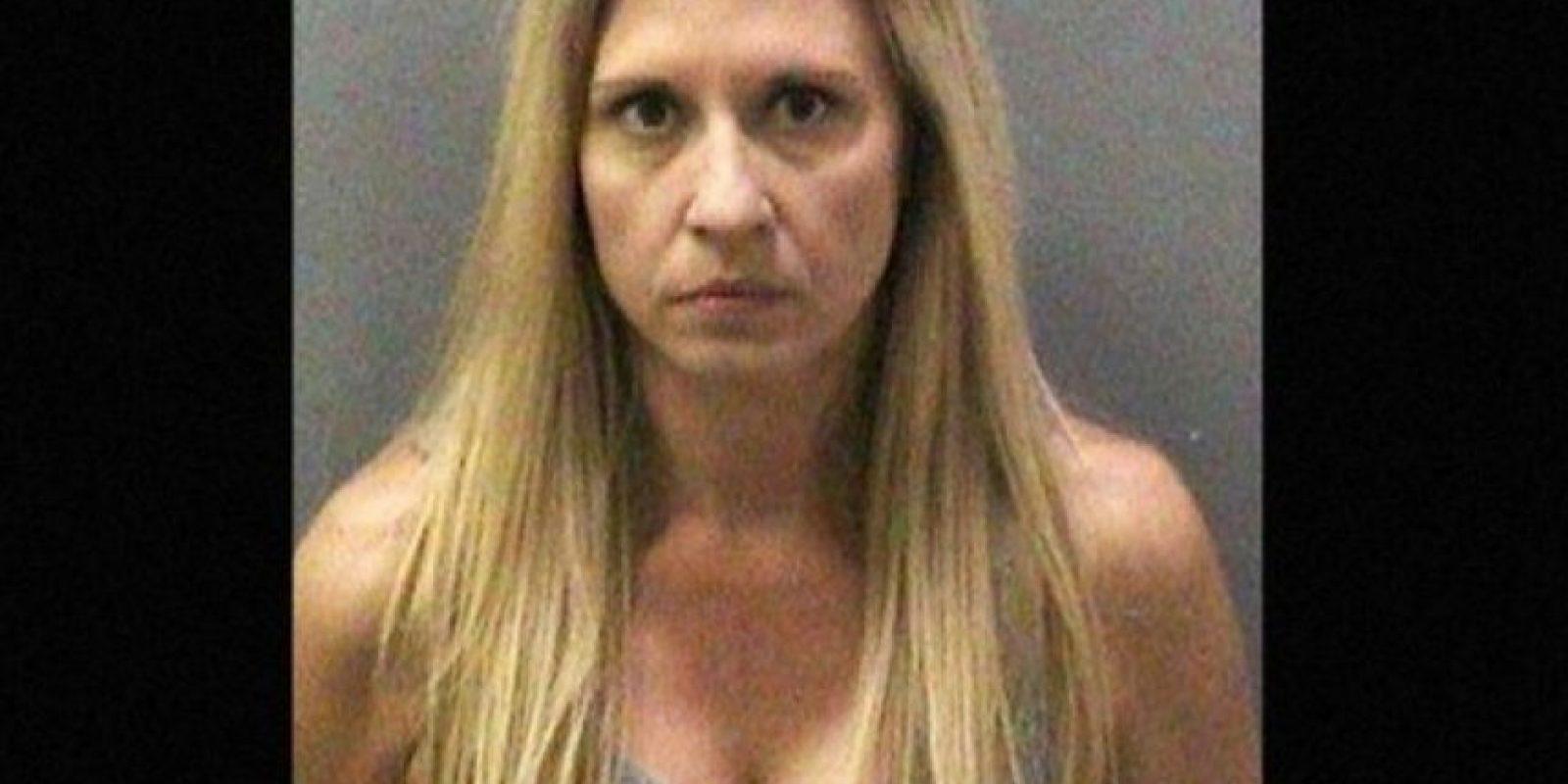 4. Melody Lippert, acusada de tener sexo en la playa con sus estudiantes Foto:AP