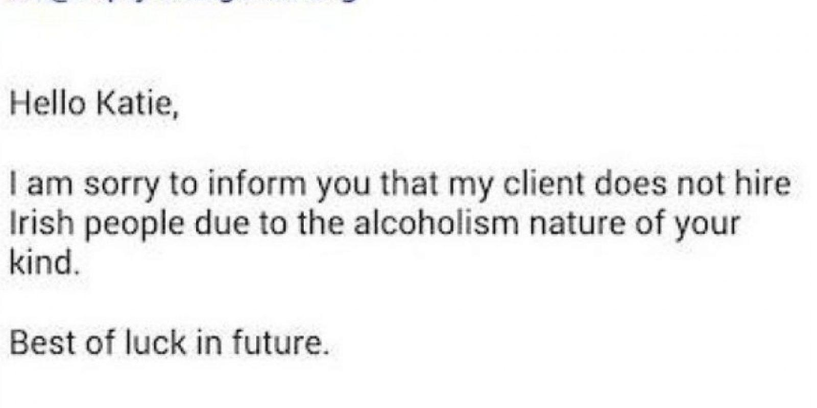 """Se le rechazó de un trabajo en Corea del Sur por ser irlandesa, ya que tenía una """"predisposición natural al alcoholismo"""". Foto:Facebook: Katie Mulrennan"""