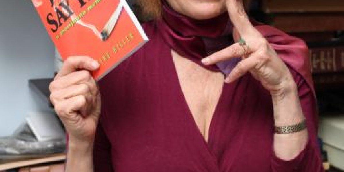 FOTOS: Mujer afirma que fumar marihuana es el secreto de la