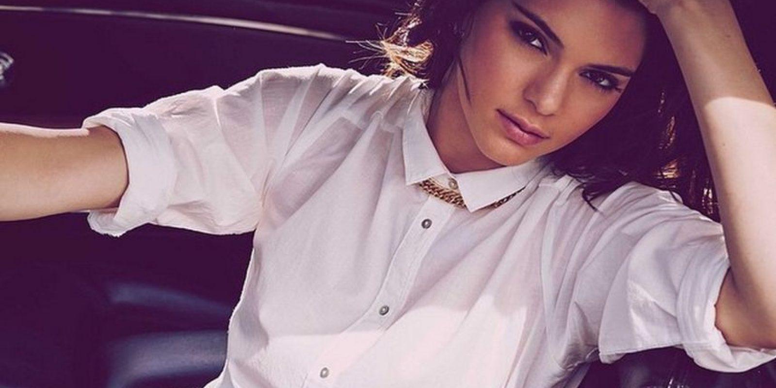 """En marzo, Kendall había dicho a a la revista """"Allure"""", que su hermana mayor Kim Kardashian le aconsejó que no se tatuara"""