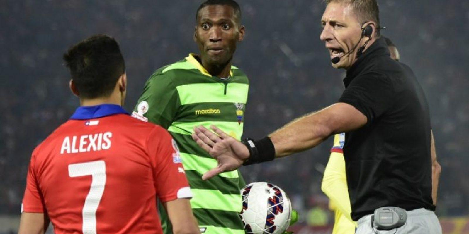 El penal ayudó a Chile a abrir el marcador y conseguir sus primeros tres puntos Foto:AFP