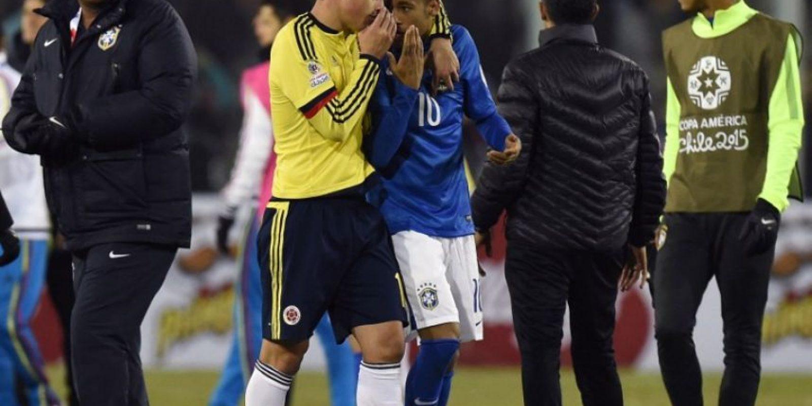 El partido entre Colombia y Brasil terminó en una pequeña gresca Foto:AFP