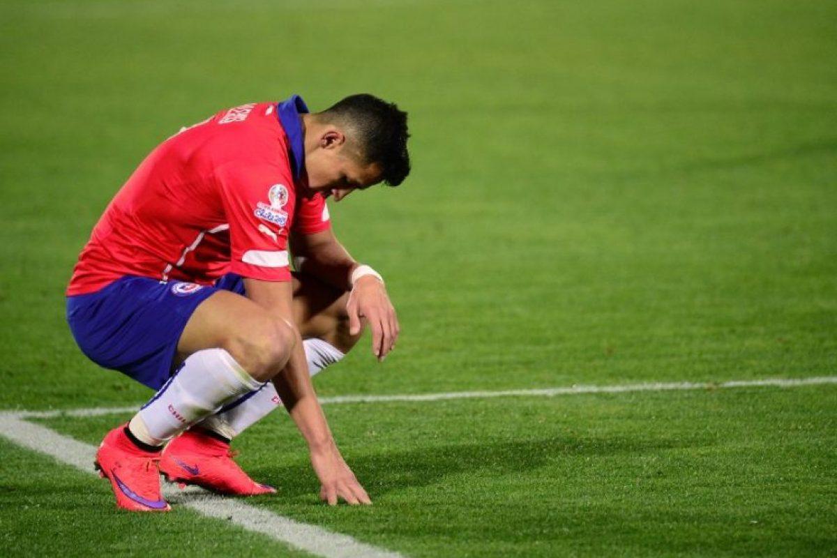 """En el partido entre Chile y México la tripleta peruana le anuló dos goles a la """"Roja"""" Foto:AFP"""