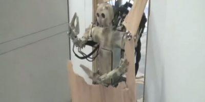 Abrir puertas ¿Para qué? si puedo romperlas Foto:Youtube/Master Haku