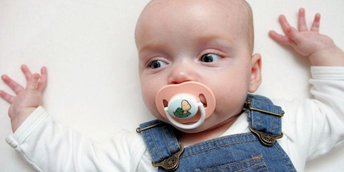 No creerán la razón por la que metieron a este bebé en un tubo