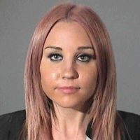 La exestrella de Nickelodeon, golpeó un coche de la policía con su vehículo. Bynes, de 26 años, fue detenida en una cárcel de West Hollywood. Pago una fianza cinco mil dólares para ser puesta en libertad. Foto:Getty Images