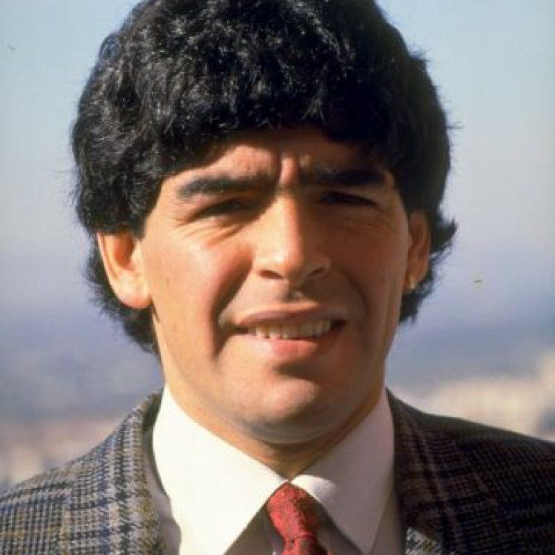 """Debutó en la Primera División en 1976 con Argentinos Juniors, cuando tenía 15 años de edad. Un año después debutó en la selección de Argentina y aunque jugó varios partidos con la camiseta """"albiceleste"""" no fue convocado por César Luis Menotti para el Mundial de 1987 por su juventud. Foto:Getty Images"""
