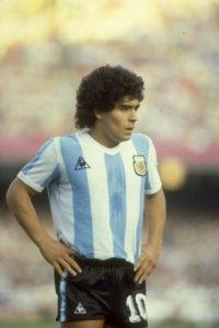 En 1981 llegó a Boca Juniors y en 1982 se marchó al Barcelona de España. Foto:Getty Images