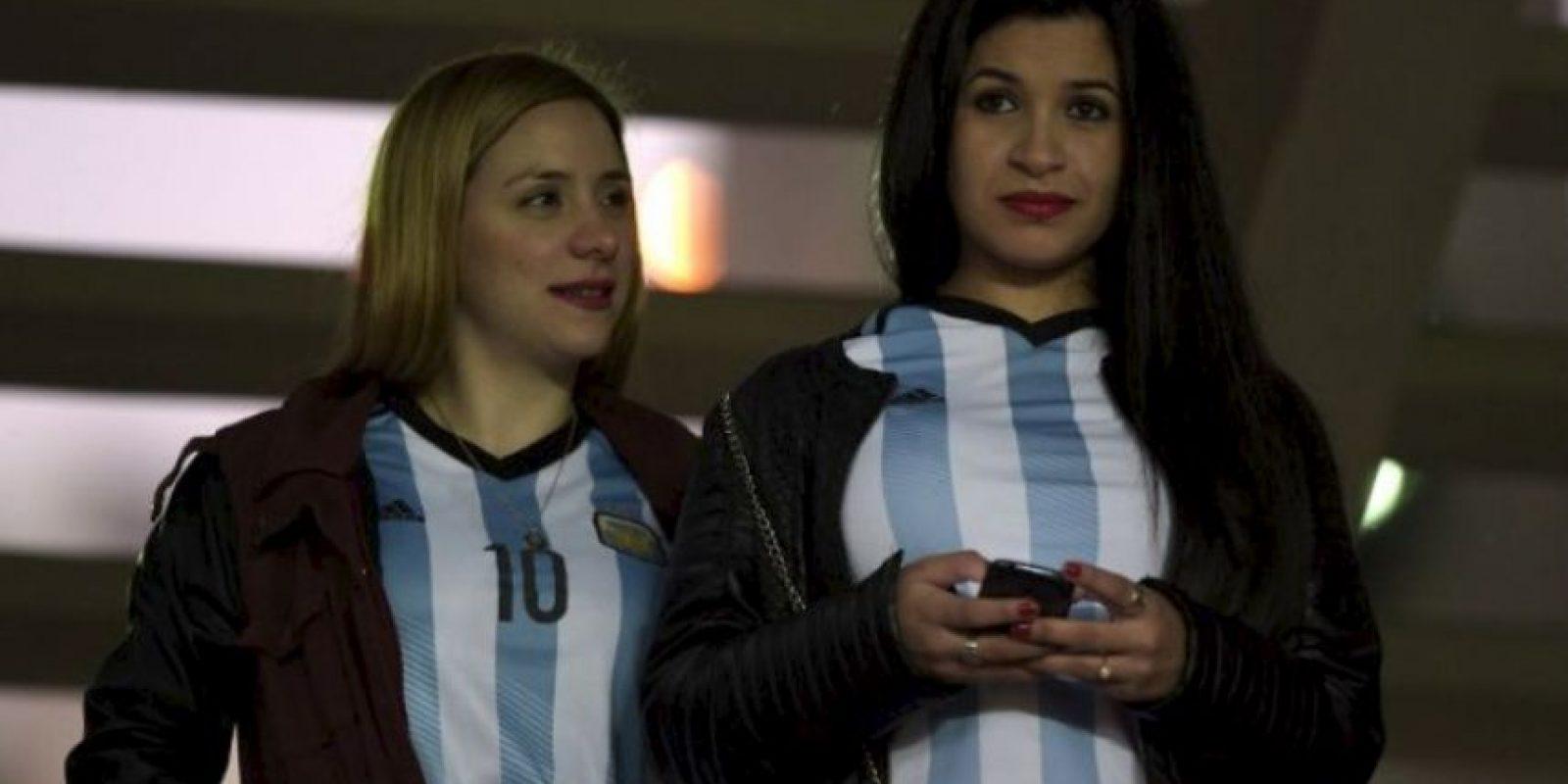 """Las argentinas apoyaron a la """"Albiceleste"""" Foto:AFP"""