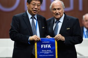 El 27 de mayo, el escándalo se destapó en la FIFA cuando varios altos mandos de este organismo fueron detenidos en Zúrich, Suiza. Foto:Getty Images