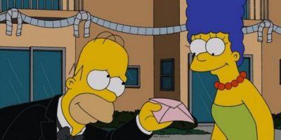 """CNN difundió un video en el que """"Homero"""" y """"Marge"""" aclaran los rumores de su divorcio. Foto:Twitter/TheSimpsons"""