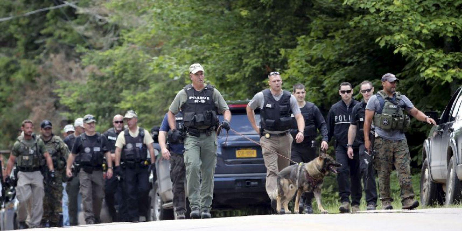 Polícia encuentra ADN de fugitivos en una cabaña saqueada. Foto:AP