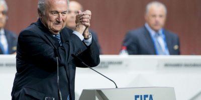 El 29 de mayo, Joseph Blatter fue reelegido como presidente de la FIFA, pero días después presentó su renuncia y convocó a nuevas elecciones a realizarse entre diciembre de 2015 y marzo de 2016. Foto:Getty Images