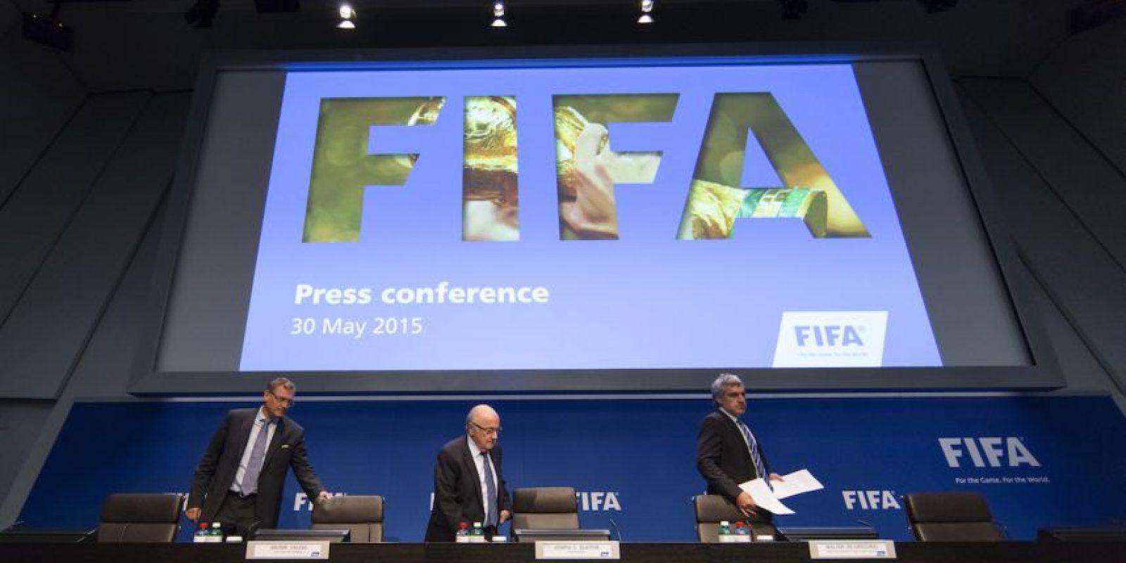 Entre los principales candidatos a la silla presidencial del organismo aparecen Diego Armando Maradona y el exfutbolista brasileño Zico. Foto:Getty Images