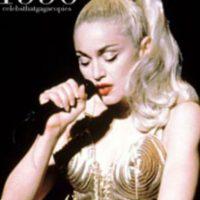 """Ya que Madonna fue vestida así por Jean Paul Gaultier para el tour """"The Blonde Ambition"""" Foto:vía Getty Images"""