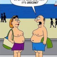 No se salgan de los límites de la playa nudista, porque tendrán problemas. Foto:vía USA Humor