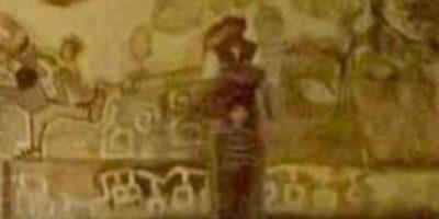 Se observa un niño y una sombra oscura detrás de él. Foto:Vía Informados Diario