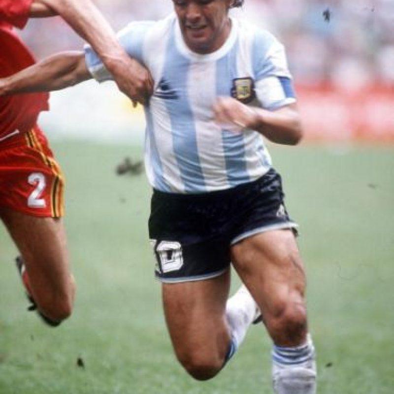 A sus 28 años apenas había ganado 2 Ligas (Una en Argentina con Boca Juniors y otra en Italia con el Napoli). Foto:Getty Images