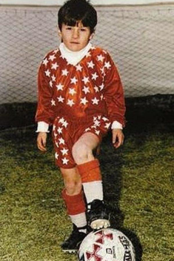 Comenzó a jugar fútbol desde los cinco años. Foto:pinterest.com
