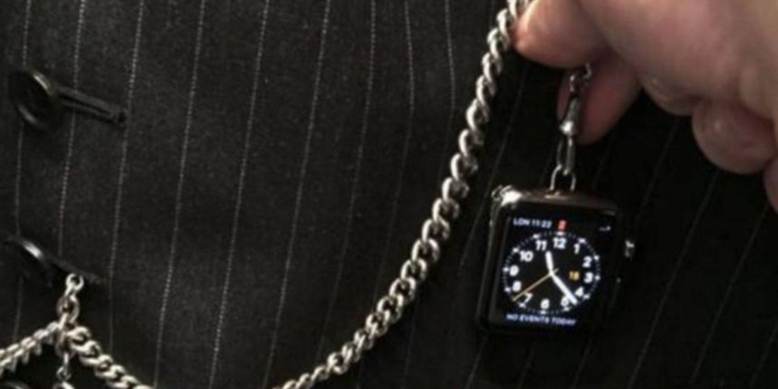 En contra: corren el mismo peligro que los relojes de bolsillo, pueden estrellarse o rayarse fácilmente si no se tiene cuidado. Foto:twitter.com/MatthewSchneier/