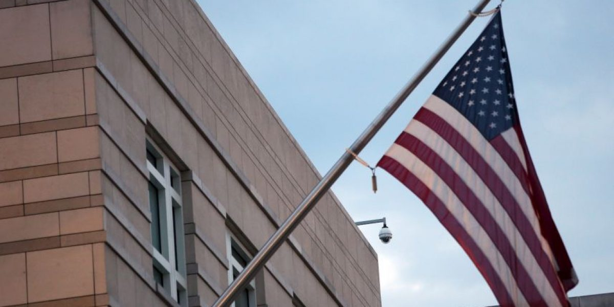¿Qué significa que un embajador sea citado tras un escándalo?