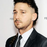 LaBeouf recibió 20 puntos de sutura y 13 grapas. Foto: Getty Images