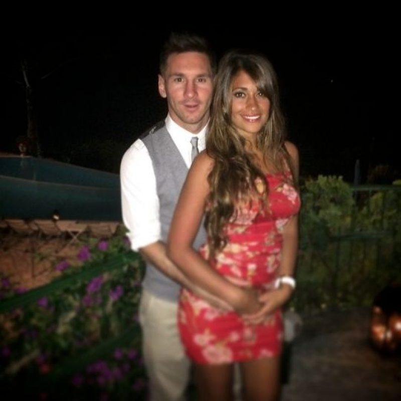 Aunque no están casados, Lionel Messi y Antonella Rocuzzo son novios desde la infancia. Foto:Vía instagram.com/leomessi
